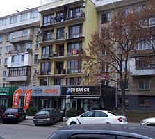 Apartament cu două odăi in centrul municipiului Chișinău.
