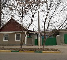 Продаю жилой дом с отоплением в центре по ул. Свердлова