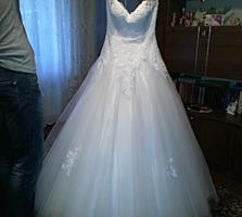 Свадебное платье А-силуэт. 500 руб