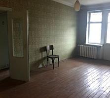 Трехкомнатная на Ленинском (одна остановка до Центра) в жилом состояни