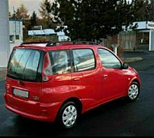 Тойота Ярис Версо, 2000 год. Бензин. Автомат.
