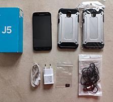 Vând telefon Samsung j5(2017) cu căști Bluetooth