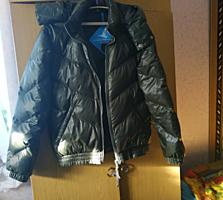 Продам куртку Адидас раз S оригинал пару раз отдета 650 руб