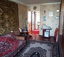 Отличная 2 комн квартира. Недорого. с новой крышей и большой кухней