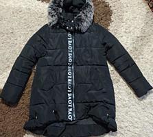 Продается удлиненная женская куртка размер 42-46