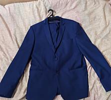 Продам мужской свадебный костюм