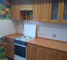 Хорошая, теплая квартира с ремонтом на Кировском.
