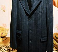 Продам новое пальто 500р. Торг привезено из Италии.