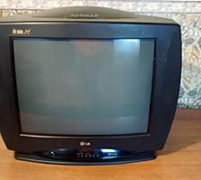 Продам телевизор LG 300 РУБ