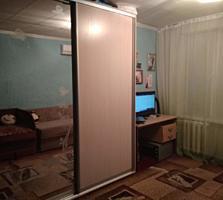 Срочно продам большую комнату с кондиционером и мебелью