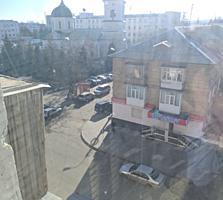 3 комнатная квартира в центре Бендер по Лазо