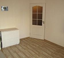 Продается трехкомнатная квартира на Красных Казармах