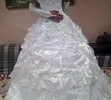 Продам свадебное демисезонное платье.