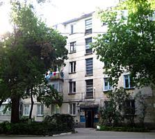 Продаю двухкомнатную квартиру, Рышкановка, улица Студенческая