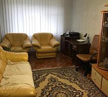 Продается 3-х комнатная квартира по улице Крылова, Лески
