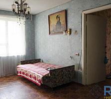 Продаётся 3 комнатная квартира по Космонавтов. Космос