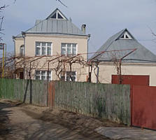 Большой дом в начале Карагаша