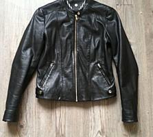 Кожаная куртка фирмы Massimo Dutti