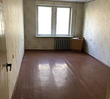 Большая 3-комн на Гвардейской, 2 этаж из 5-, 66м2, кухня - 9м2.