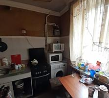 !!! Vând apartament -- etajul 1-- 3 Camere Separate ---