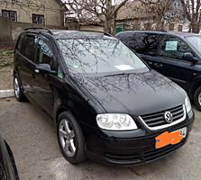 Продается Volksvagen Touran 2.0 TDI 2004 года.