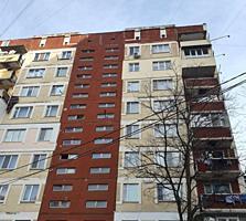 Рядом с Green Hills, этаж 8/9 135 серия, без балкона, жилое состояние!