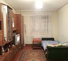Двушка на Борисовке, 1 этаж, кухня 6,9 кв. м, район школы-интерната