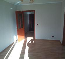 Продается 2ух комнатная квартира с ремонтом возле парка