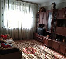 Двухкомнатная тёплая уютная квартира.
