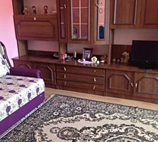 Se vinde apartament cu 2 camere pe Trandafirilor