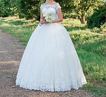 Породам свадебное платье. 42 размер (S). Универсальный корсет.