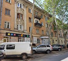 2-комнатная, Центр, сталинка, автономка, ремонт, освобождена, 52 000 е