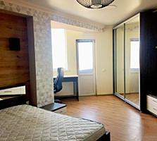 Apartament cu 2 odai + living! Mobila si tehnica!