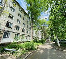 Sec. Riscani, str. Miron Costin. Apartament cu 2 odai. Bilateral!!!