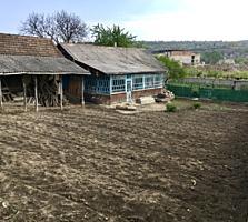 Vind casa - teren 23ari in centru or. Nisporeni/schimb apart. Chisinau