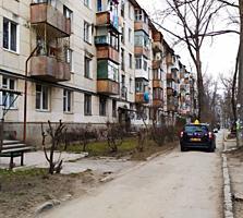 Apartament cu doua odai separate! in spate la cc Soiuz!