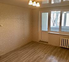 Apartament cu euroreparatie! De mijloc!
