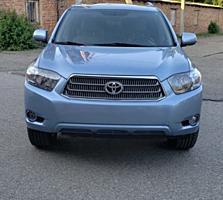 Toyota Highlander Hybrid (Usauto)