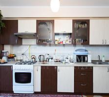 În vânzare apartament cu ocamereă. Suprafața totală- 94mp. ...