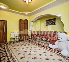 VÂNZARE!!!  Apartament în Chișinău ( sect. Poșta Veche ) Detalii ...