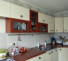 Продаю 3 комнатную квартиру на Г. Петровой