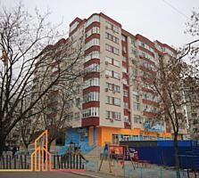 Se vinde apartament cu 3 camere + living in sectorul Ciocana. ...