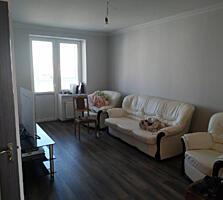 Se vinde apartament cu 2 dormitoare + living (92.3 m. p.) in sectorul