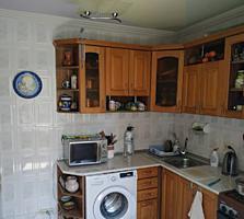 Se vinde apartament cu 3 camere localizat in sectorul Buiucani str. ..