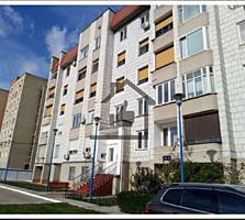3-комнатная квартира в Центре, 100 кв. м. в элитном доме