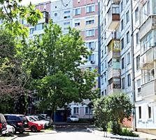 Vînzare apartament cu 3 camere separate cu suprafața totală de 68m2 si