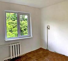 Продам 3-комнатную квартиру возле Парка Горького!
