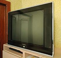 Продам 2 телевизора, нерабочие.