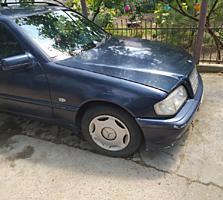 Продаю Mercedes C200 Kompressor