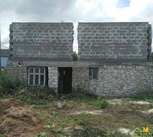 1,5-эт. недостроенный котелец дом 160 м2 на 15 сотках с. Мардарьевка.